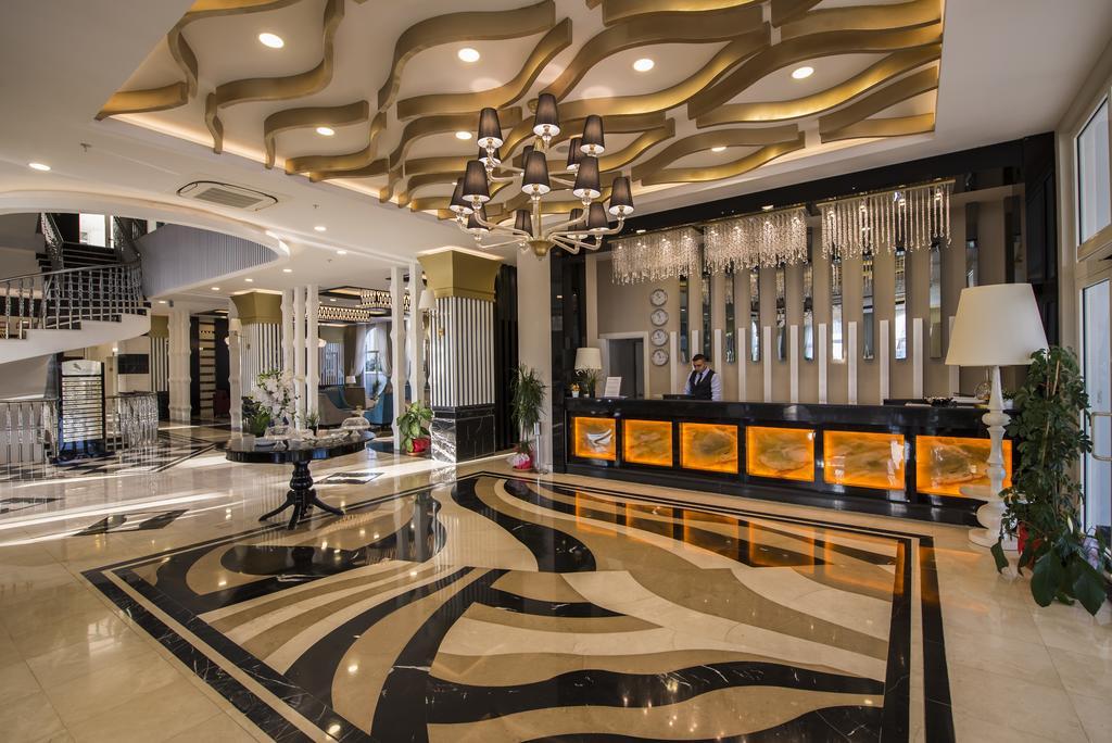 Тури в готель Palm World Side Resort & Spa Сіде