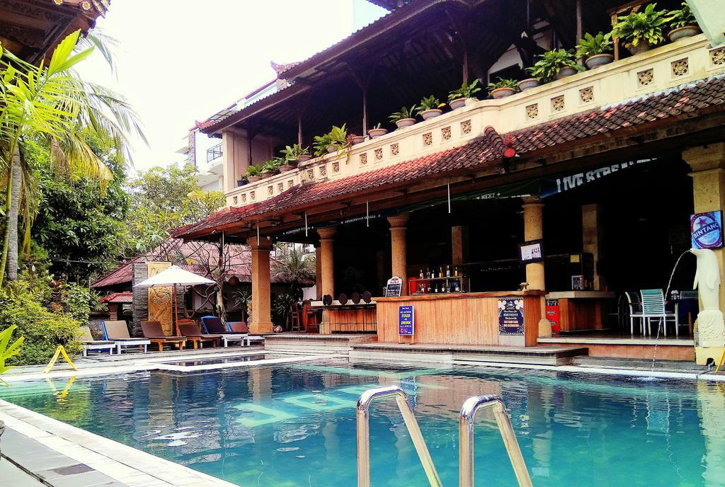 Фото отеля Legian Village