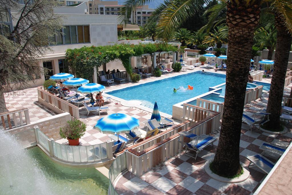 Отдых в отеле Mediteran Becici Hotel