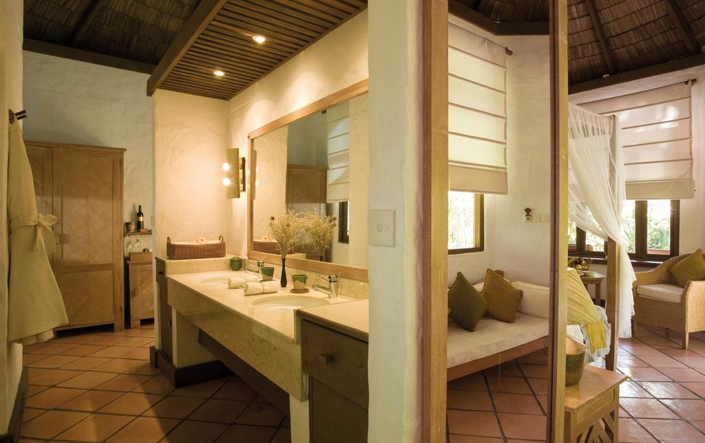 Coco Palm Dhuni Kolhu Resort & Spa, Баа Атолл