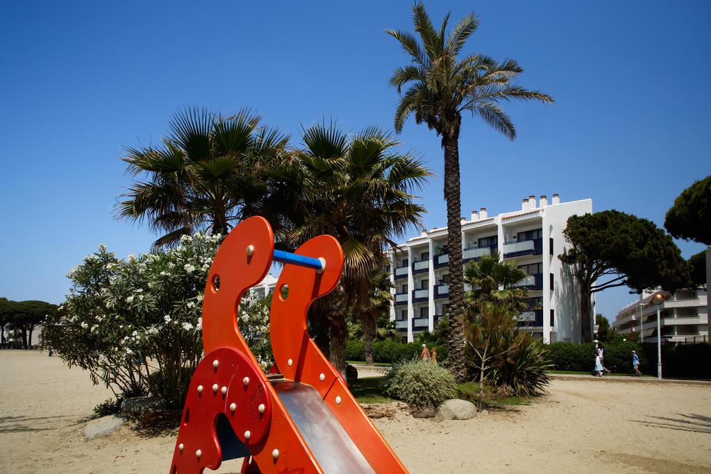 Отдых в отеле Pins Platja Apartamentos Коста-Дорада
