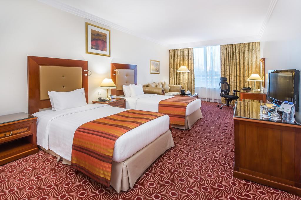 Туры в отель Holiday Inn Bur Dubai Embassy District Дубай (город) ОАЭ