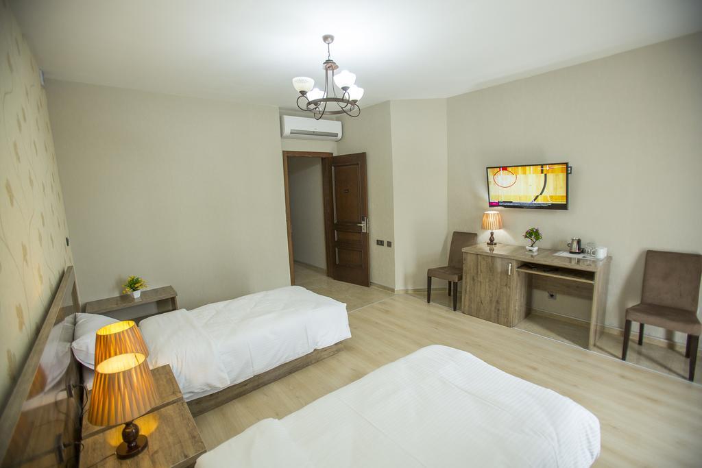 Гарячі тури в готель Ire Palace Батумі