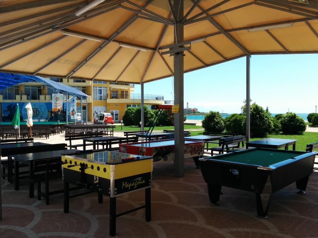 Midia Grand Resort, Ахелой ціни