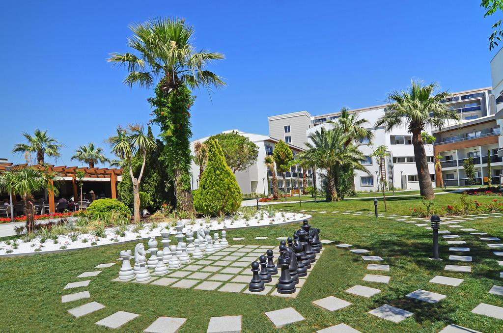 Цены в отеле Palm Wings Beach Resort & Spa