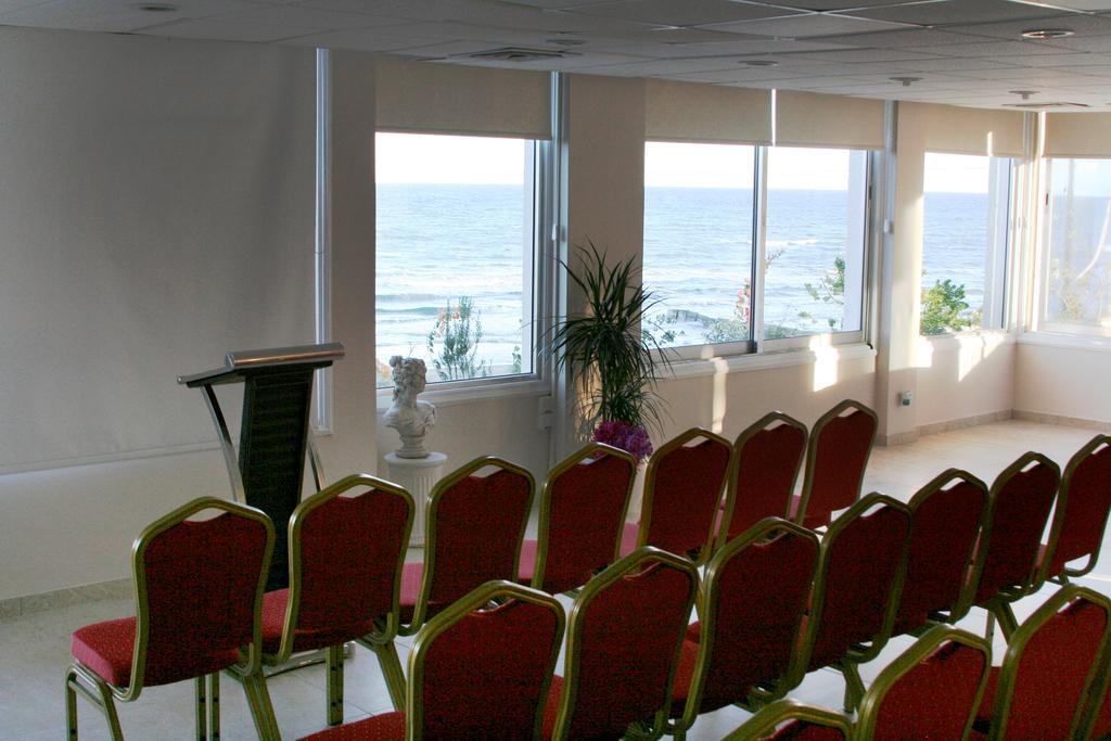 Mackenzie Beach Hotel &, Ларнака, Кипр, фотографии туров