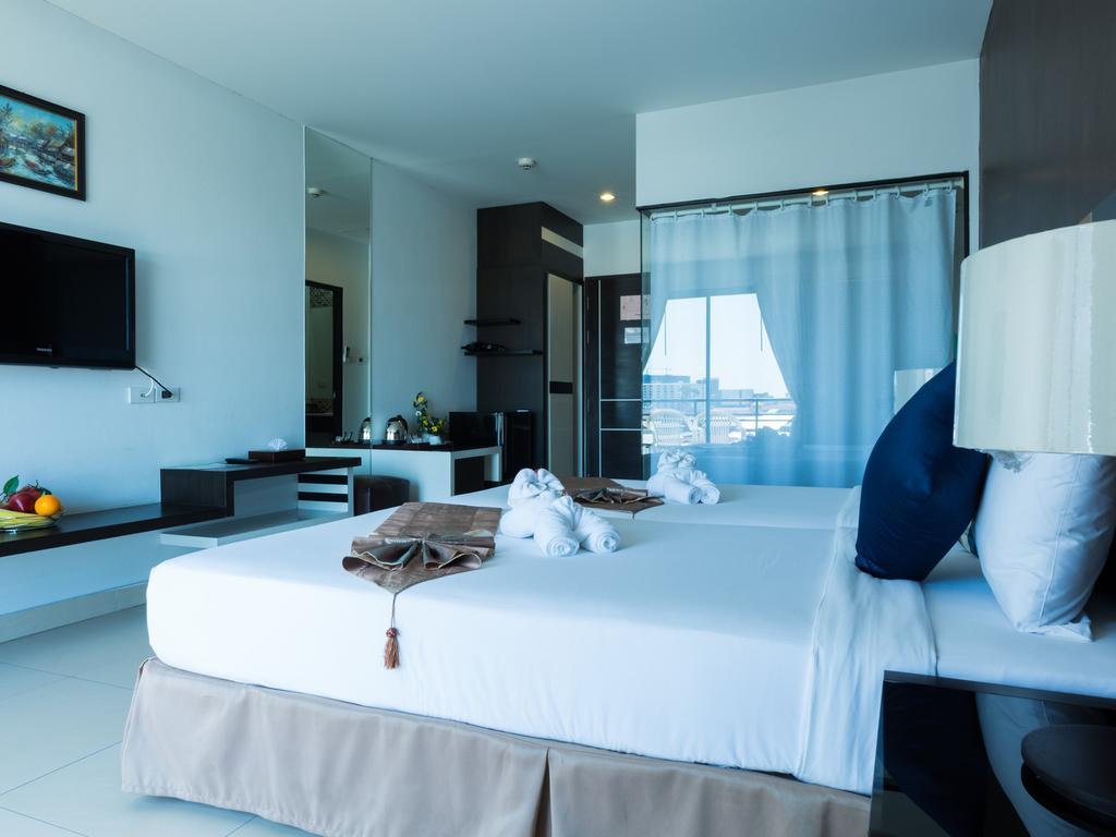 Vogue Pattaya Hotel, 3