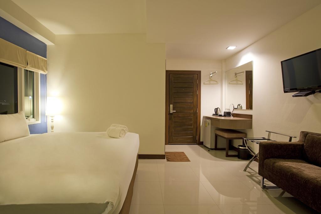 Wiz Hotel, Паттайя
