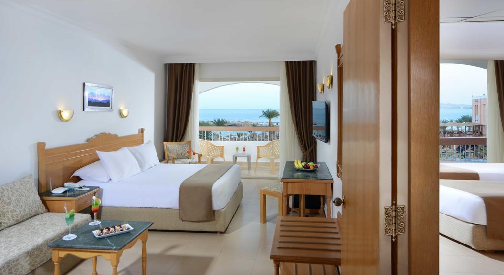 Ціни в готелі Beach Albatros Resort