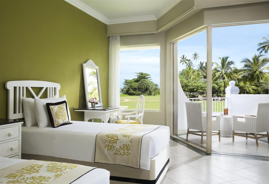 Горящие туры в отель Vivanta By Taj Бентота