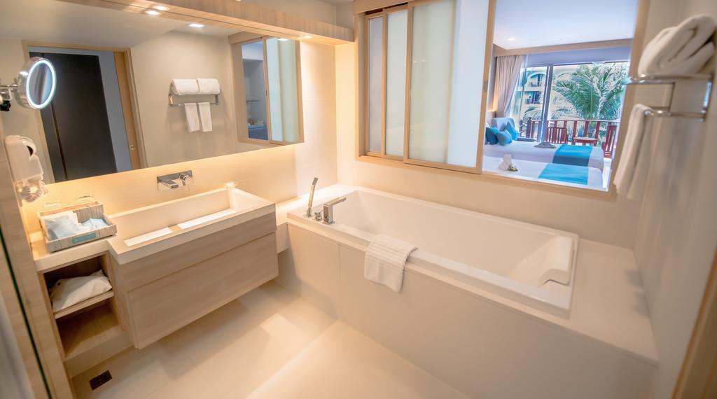 Відгуки про готелі Phuket Graceland Resort & Spa