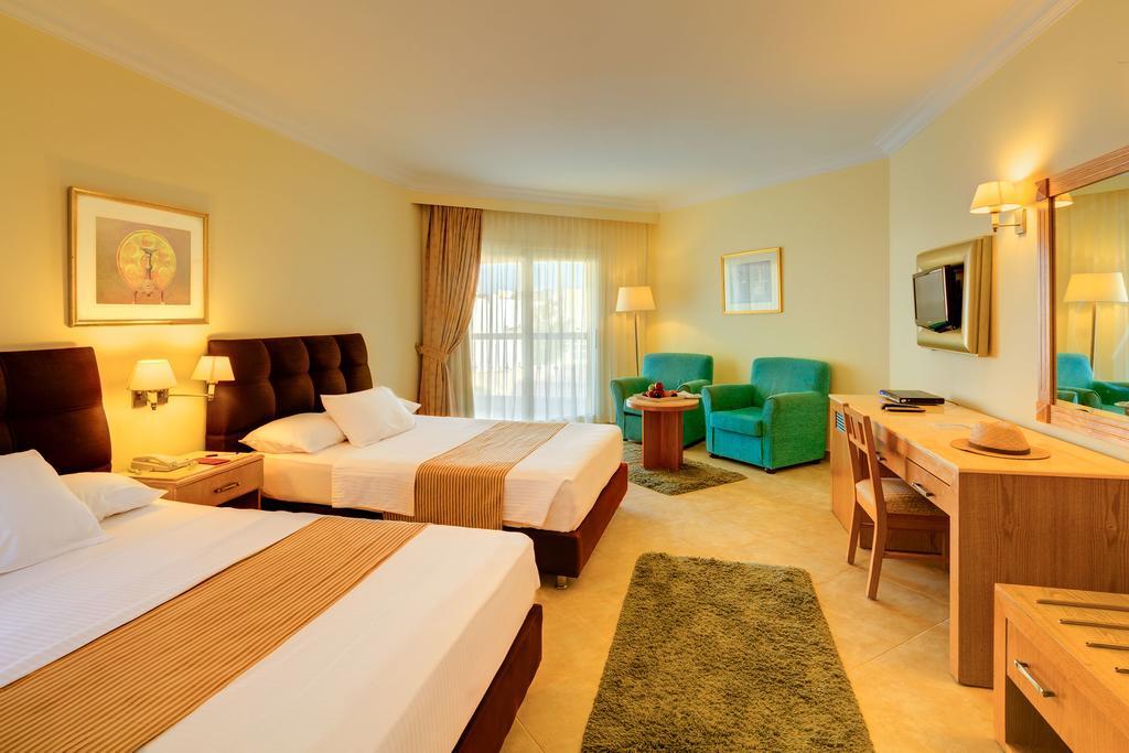 Ціни в готелі Aurora Oriental Resort (Ex. Oriental Resort)