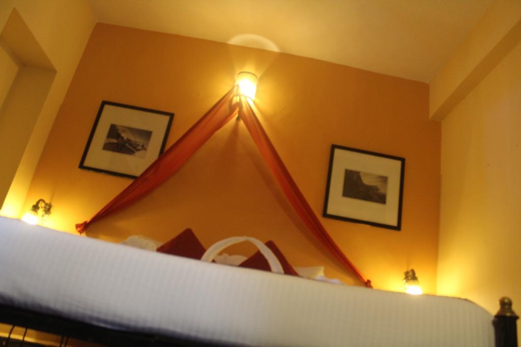 Цены в отеле Camelot Fantasy Resort