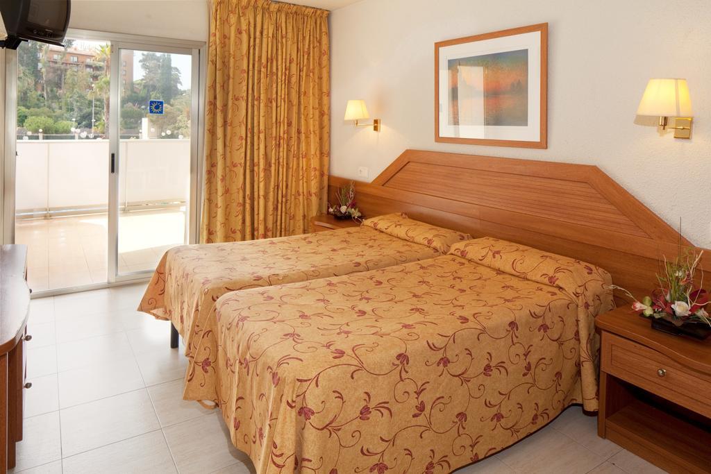 Отзывы гостей отеля H.top Royal Beach