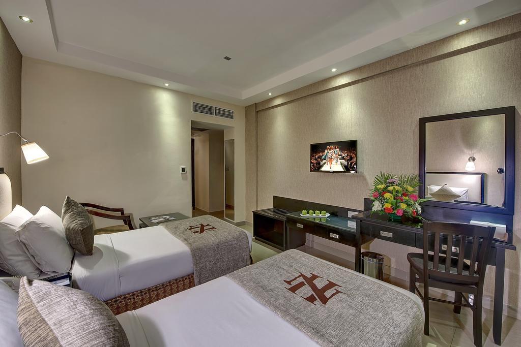 Отзывы об отеле Palm Beach Dubai