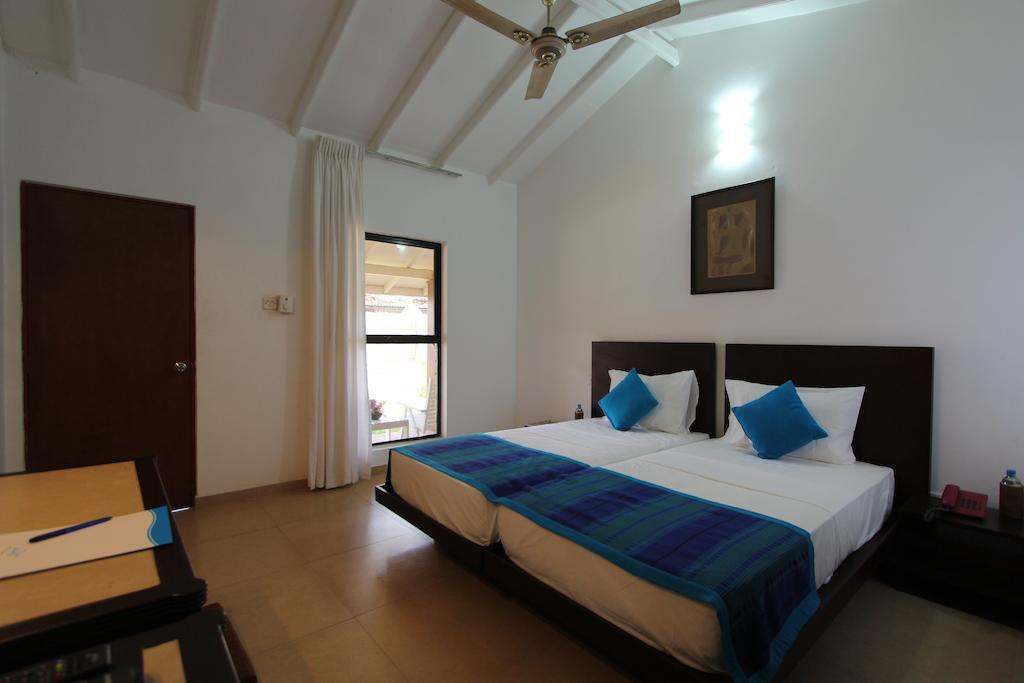 Туры в отель Amagi Beach Маравила Шри-Ланка