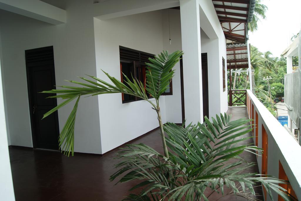 Prime Time Hotel & Bristol, Шри-Ланка, Унаватуна