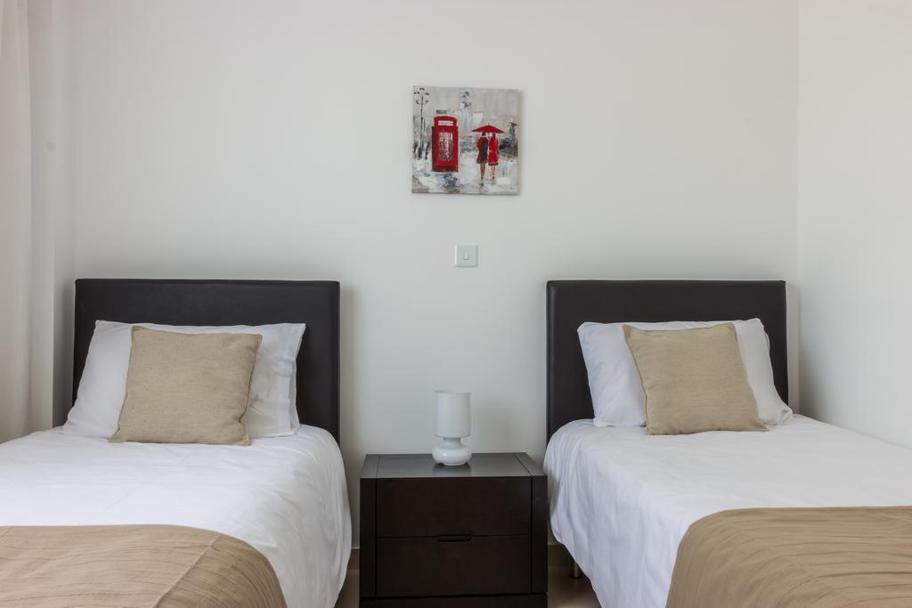 Горящие туры в отель Elysia Park Holiday Residences Пафос