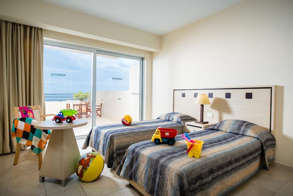 Відгуки про готелі Blue Marine Resort & Spa