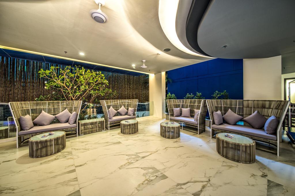 Горящие туры в отель Surf Hotel Patong (Hotel Clover Patong) Пхукет Таиланд