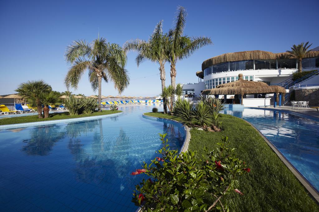 Відгуки про готелі Bodrum Holiday Resort & Spa
