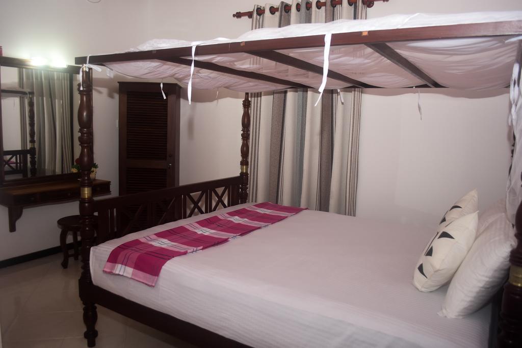 Горящие туры в отель Villa De White Sambur Хиккадува Шри-Ланка