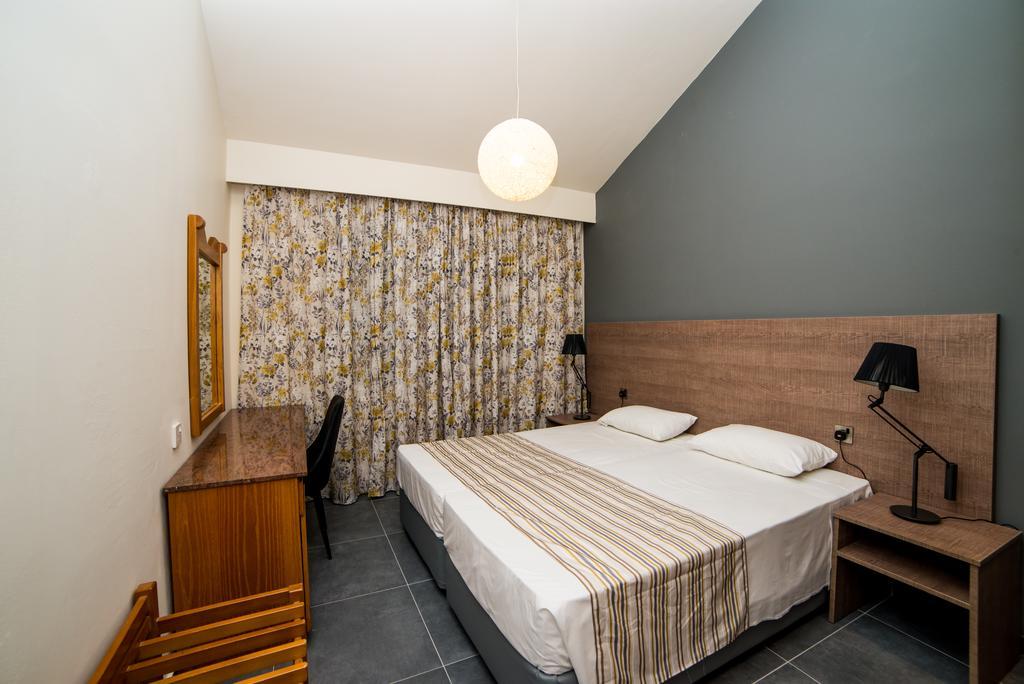 Helios Bay Hotel Apts, Пафос, Кипр, фотографии туров