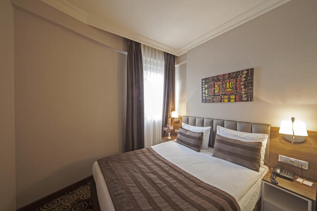 Delta Hotel, Стамбул