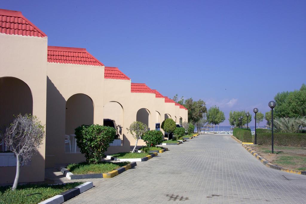 Отзывы туристов Holiday Beach Resort