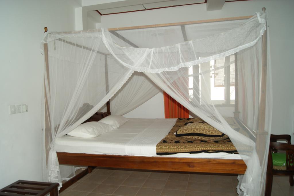 Горящие туры в отель Prime Time Hotel & Bristol Унаватуна Шри-Ланка