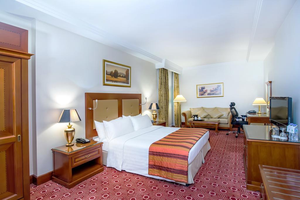 Туры в отель Holiday Inn Bur Dubai Embassy District