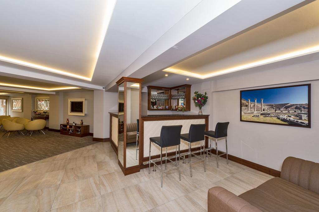 Отзывы гостей отеля Bergama Hotel