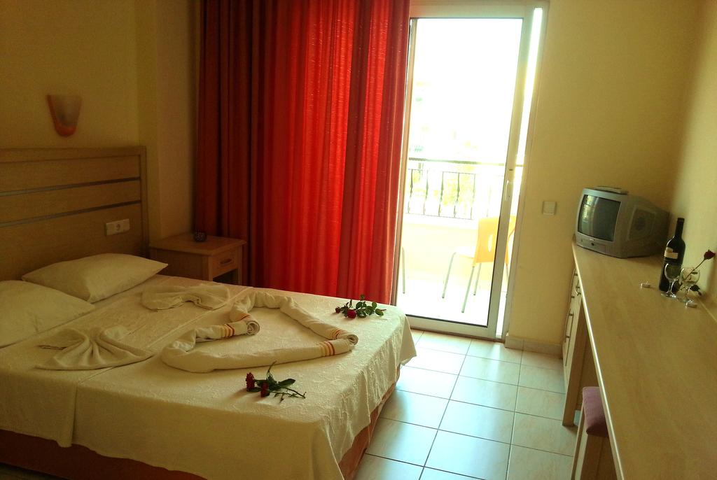 Фото отеля Summer Rose Hotel