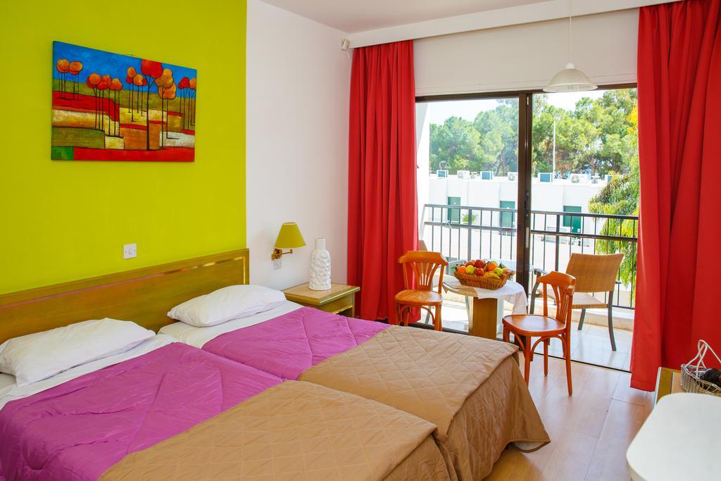 Горящие туры в отель Lobelia Park Beach Annex Лимассол Кипр