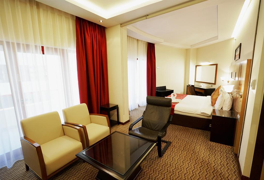 Горящие туры в отель Sun & Sands Downtown Hotel