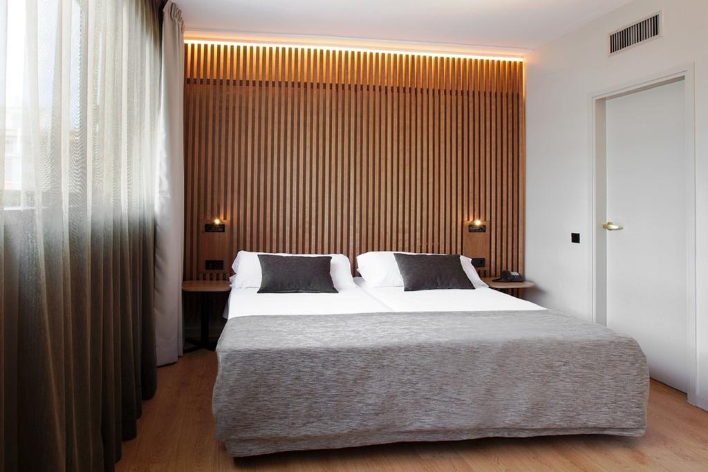 Aparthotel Atenea, Барселона, Испания, фотографии туров
