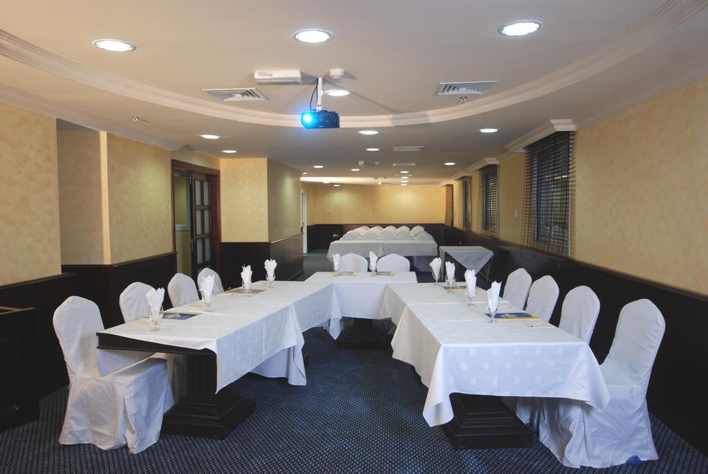 Фото отеля Al Bustan Hotel Sharjah