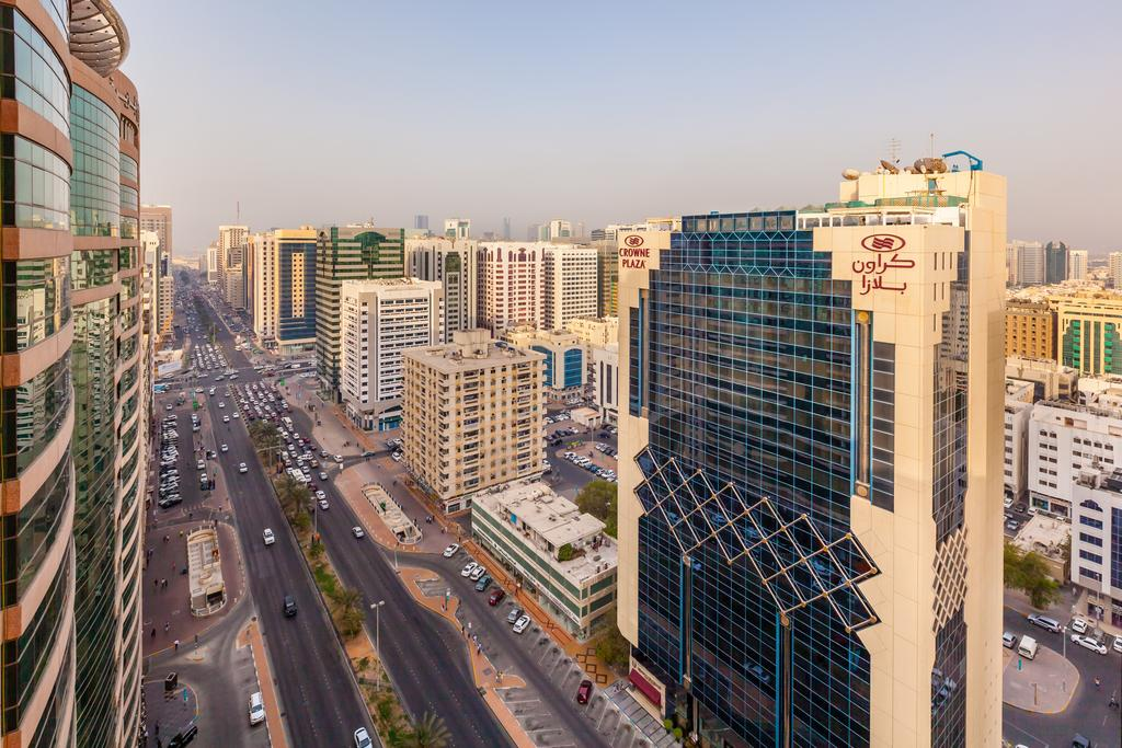 Crowne Plaza Abu Dhabi, Абу Дабі