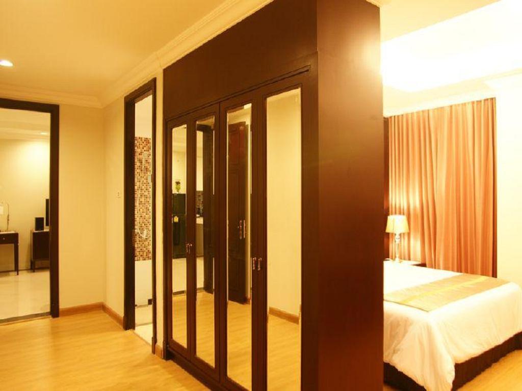 Отель, Lk Legend