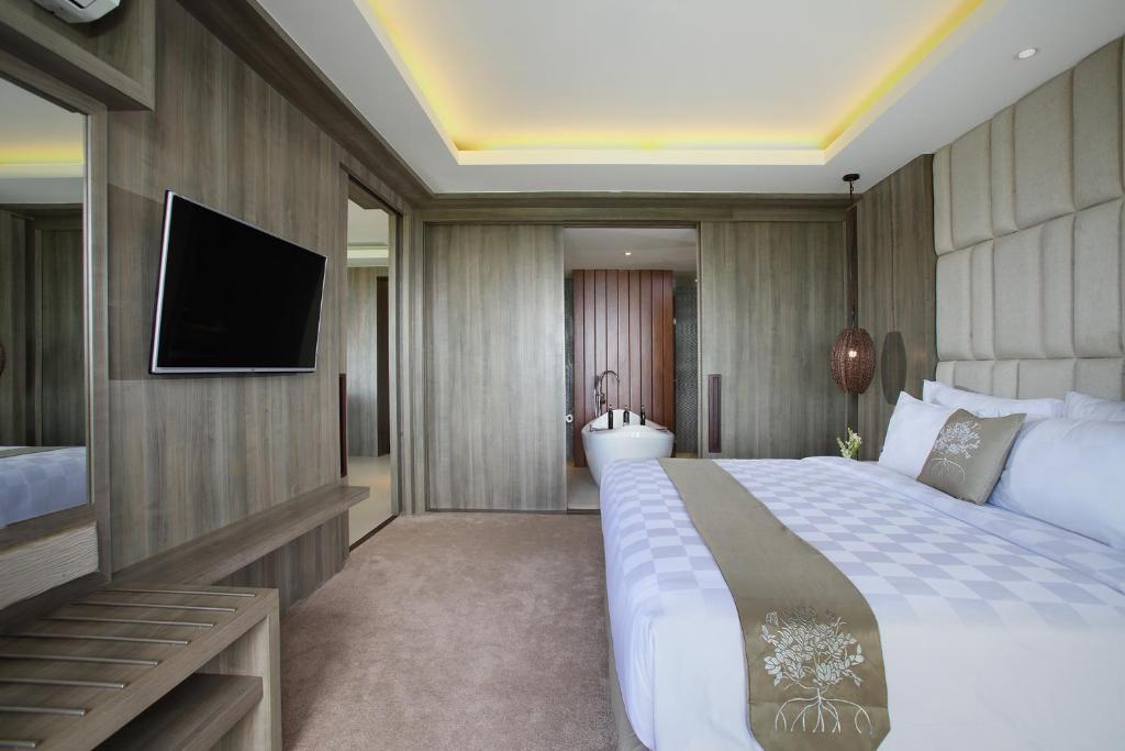 Индонезия The Crystal Luxury Bay Resort