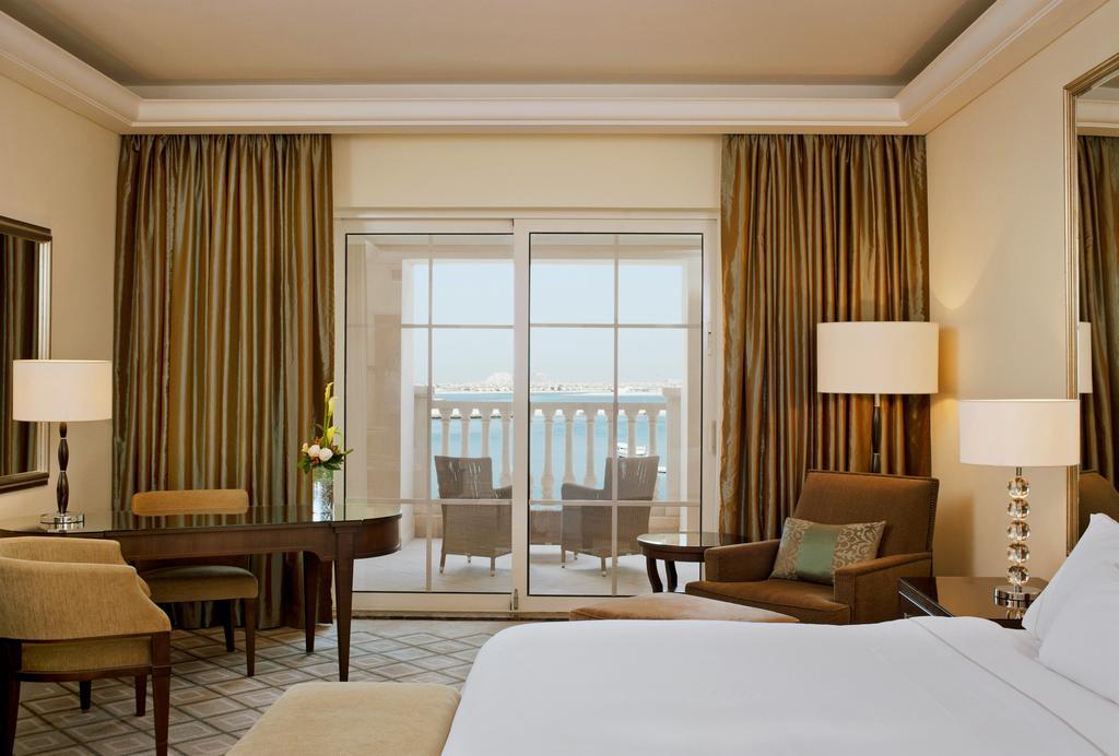 The Westin Dubai Mina Seyahi Beach Resort&Marina фото туристів