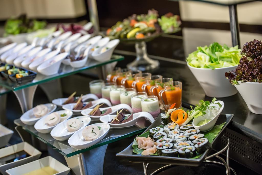 Holiday Inn Bur Dubai Embassy District ОАЭ цены