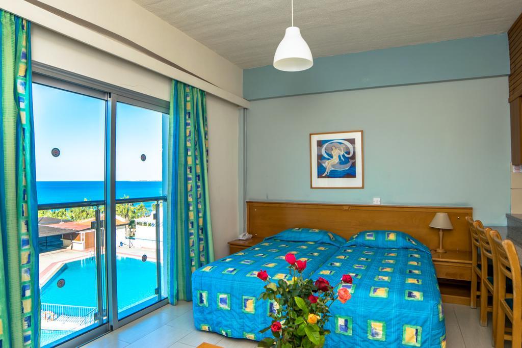 Отдых в отеле Helios Bay Hotel Apts Пафос Кипр