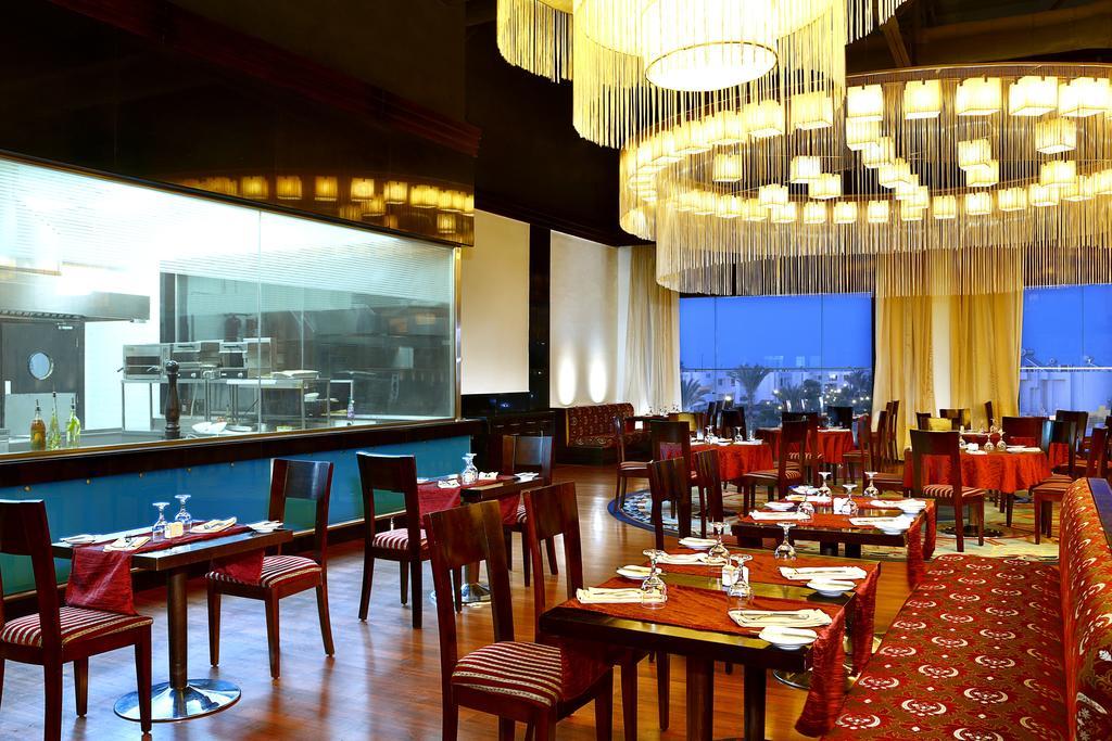 Відпочинок в готелі Hilton Hurghada Long Beach Resort Хургада
