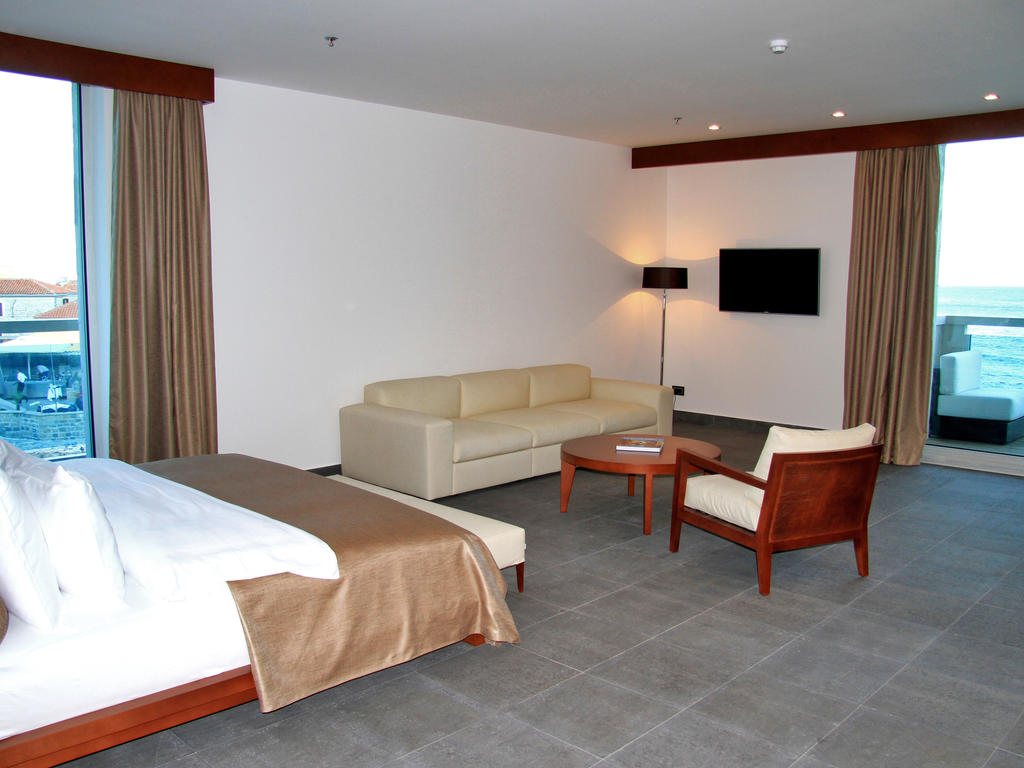 Цены в отеле Avala Resort & Villas