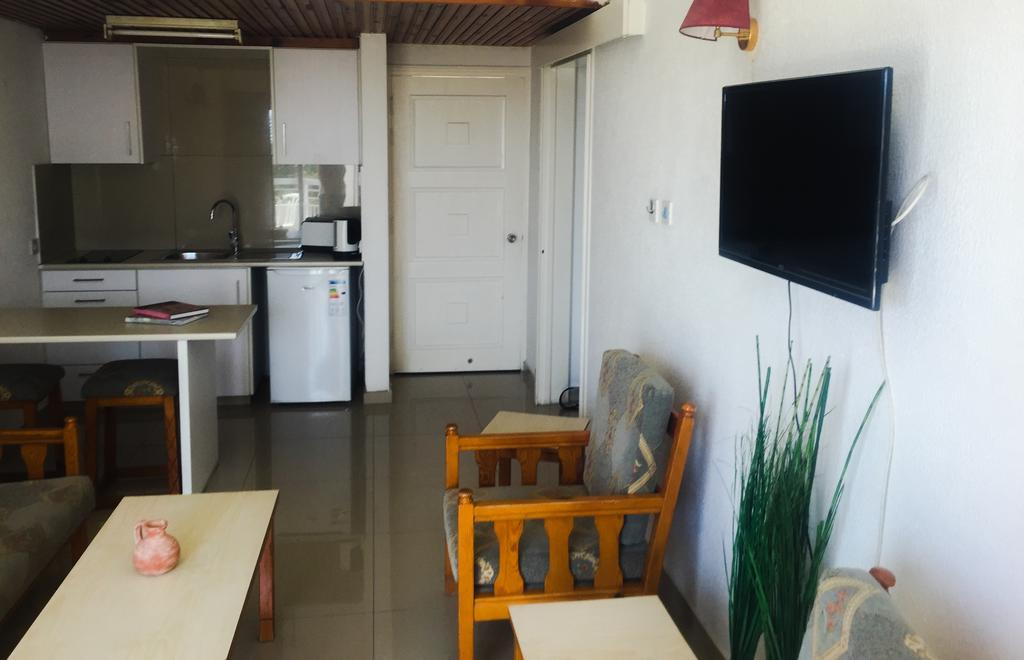 Boronia Hotel Apartments, Ларнака