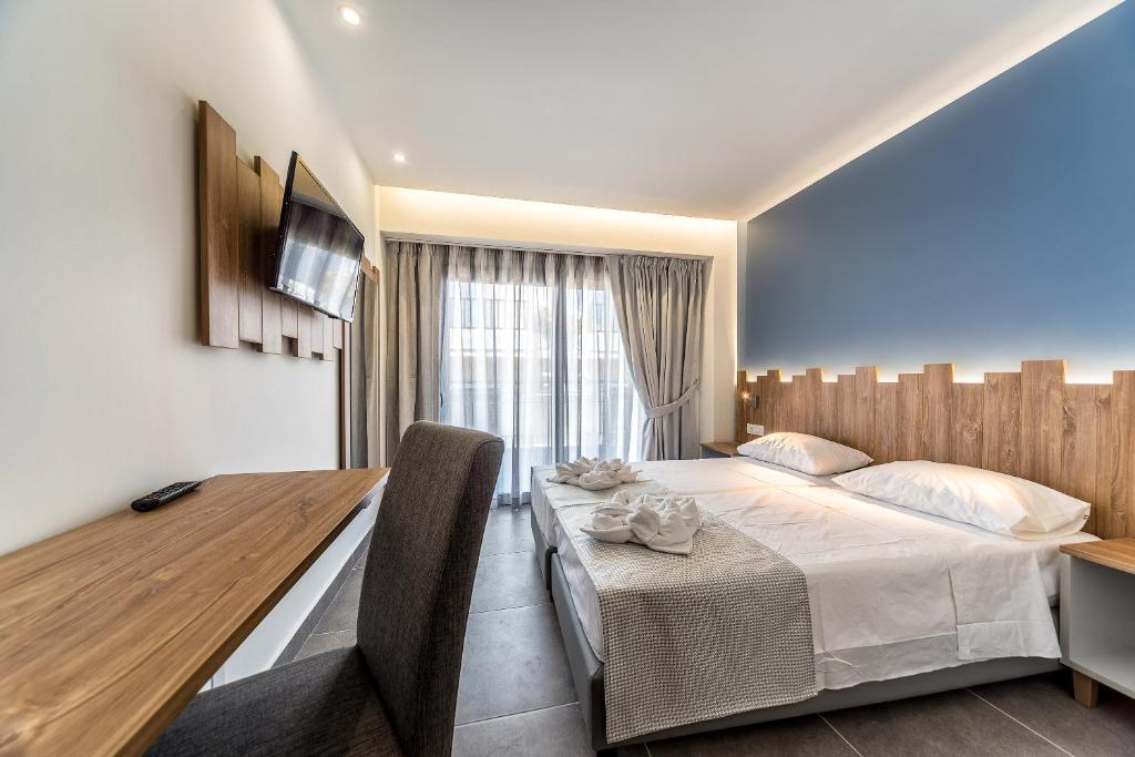 Pollis Hotel, Іракліон