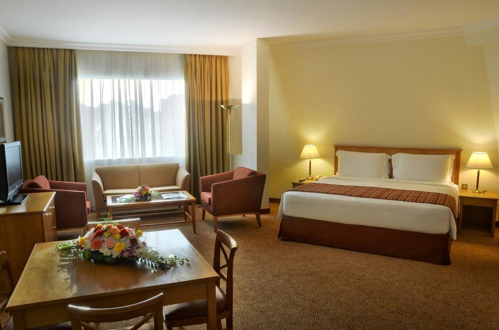 Туры в отель Swiss Belhotel Sharjah (Ex. Sharjah Rotana) Шарджа ОАЭ