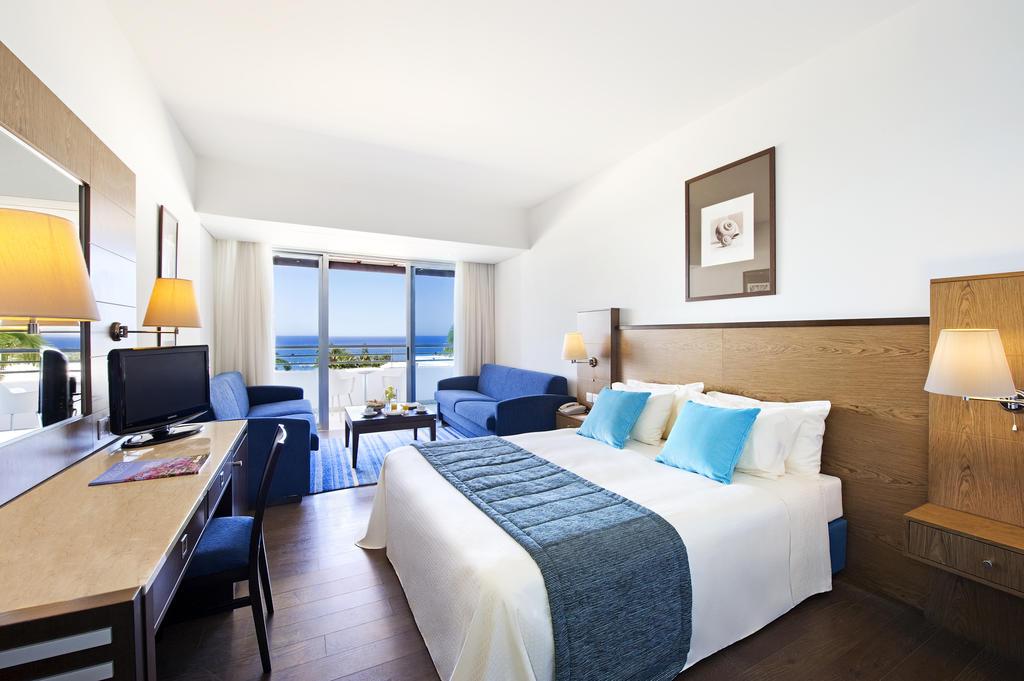 Mediterranean Beach Hotel цена