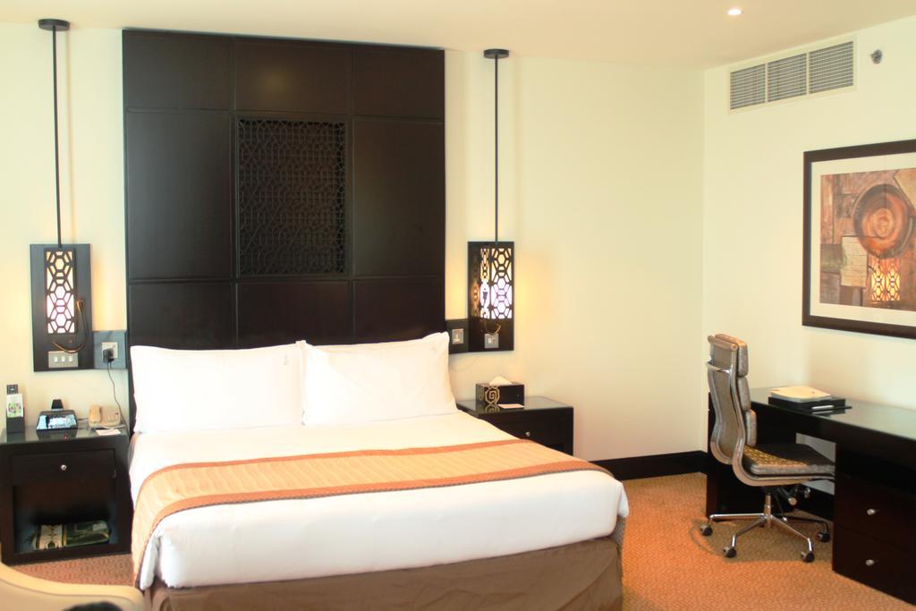 Отзывы гостей отеля Holiday Inn Al Barsha